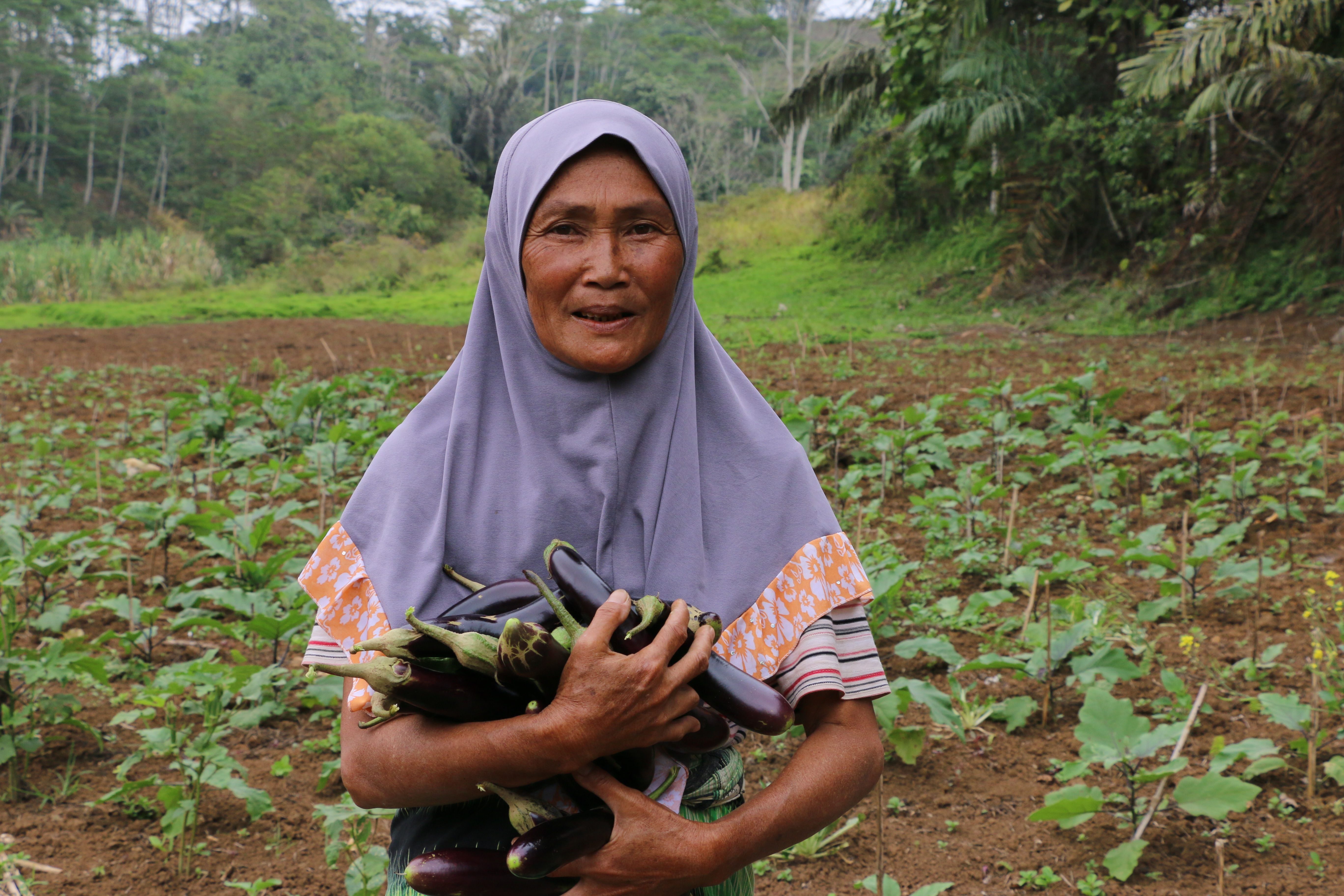 Mairah, a beneficiary to WFP's cash-based assistance programme in Marawi